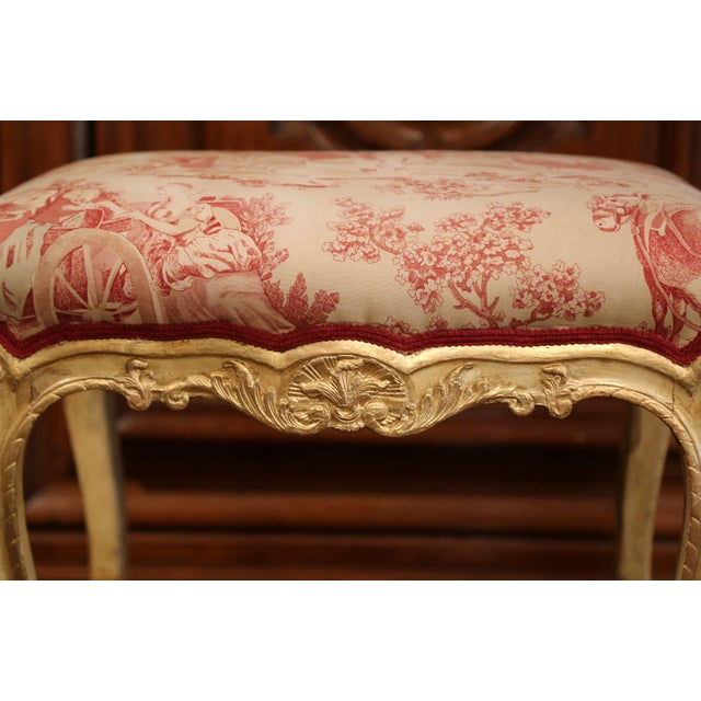 French 19th Century French Louis XV Carved Painted and Gilt Stool with Toile De Jouy For Sale - Image 3 of 10