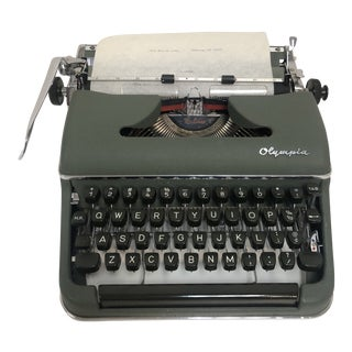 1950s Vintage Olympia Werk Typewriter Sm3 & Hardshell Case For Sale