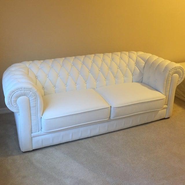 White Leather Tufted Back Sofa - Image 2 of 10