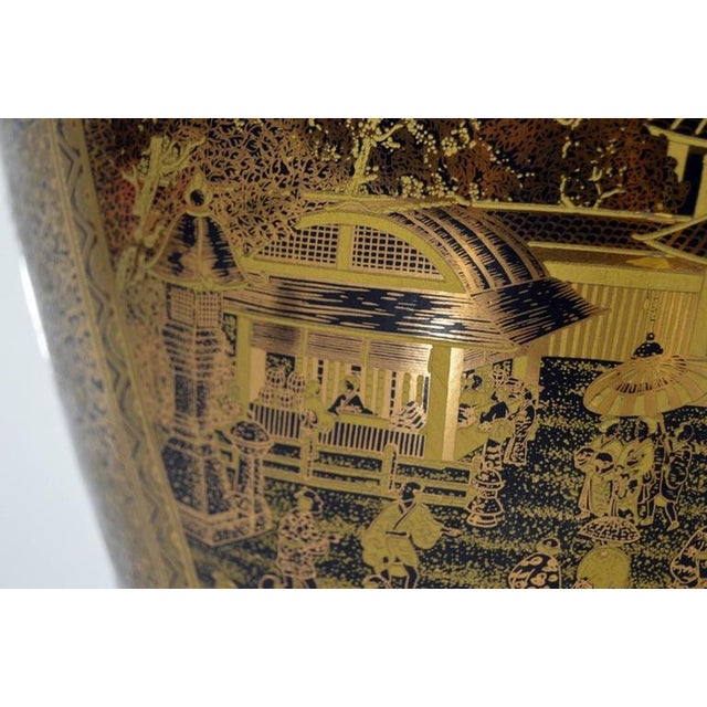 Gold Vintage Black and Golden Hand-Painted Porcelain Vase from China, 20th Century For Sale - Image 8 of 11