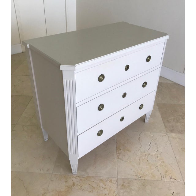 French Swedish Gustavian Chest of Drawers Hand Painted in Ivory For Sale - Image 3 of 13