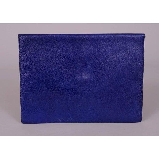 Modern La Bagagerie, Paris Bright Blue Leather Envelope Clutch For Sale - Image 3 of 5