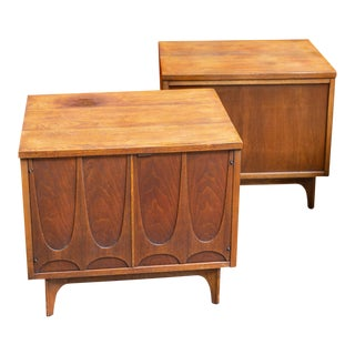 1960's Broyhill Brasilia Nightstands-a Pair For Sale