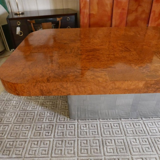"""Mid-Century Modern Monumental Signed Paul Evans Burled & Chrome """"Cityscape"""" Extension Dining Table For Sale - Image 3 of 13"""