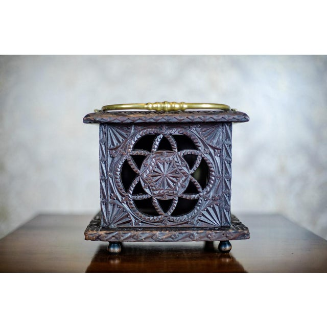 Traditional Late 18th Century Wooden Foot Warmer For Sale - Image 3 of 11