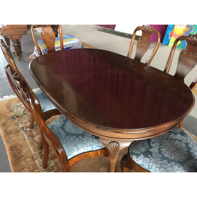 Beautiful Queen Anne Style dining set by North Carolina company Councill. Table, 2 leaves, 6 side chairs (no arm chairs)....