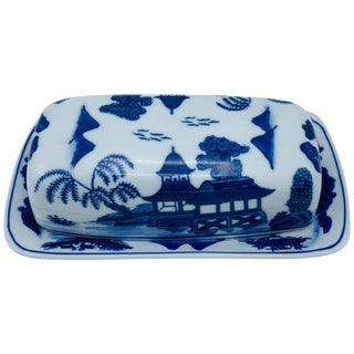 1980s Blue and White 'Blue Willow' Butter Dish For Sale