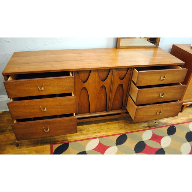 Broyhill Brasilia Broyhill Brasilia Mid Century Modern 9 Drawer Dresser For Sale - Image 4 of 9