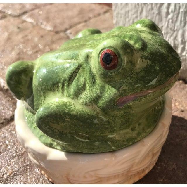 Vintage Mid-Century Italian Ceramic Majolica Frog Lidded Box For Sale - Image 11 of 12
