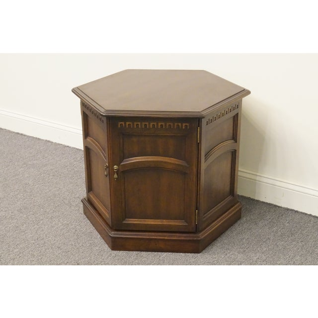 20th Century British Colonial Kling Solid Cherry Hexagonal Storage End Table For Sale In Kansas City - Image 6 of 13