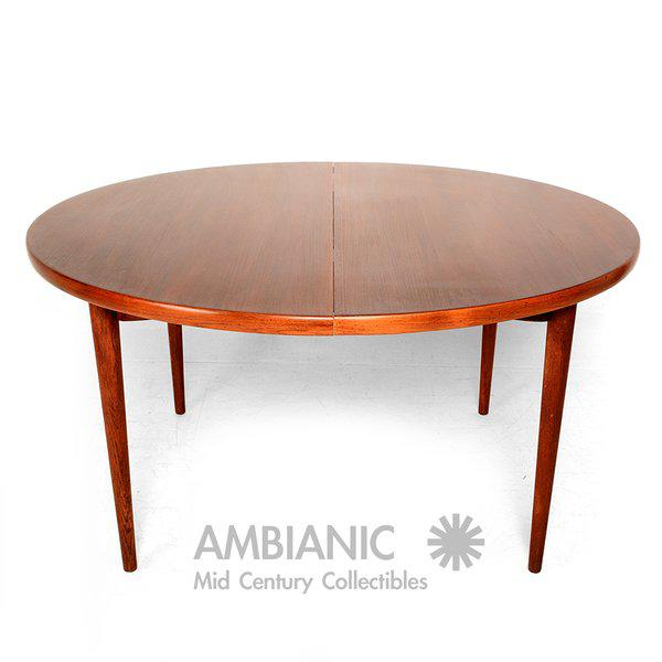 Scandinavian Modern Swedish Oval Dining Table For Sale - Image 9 of 9