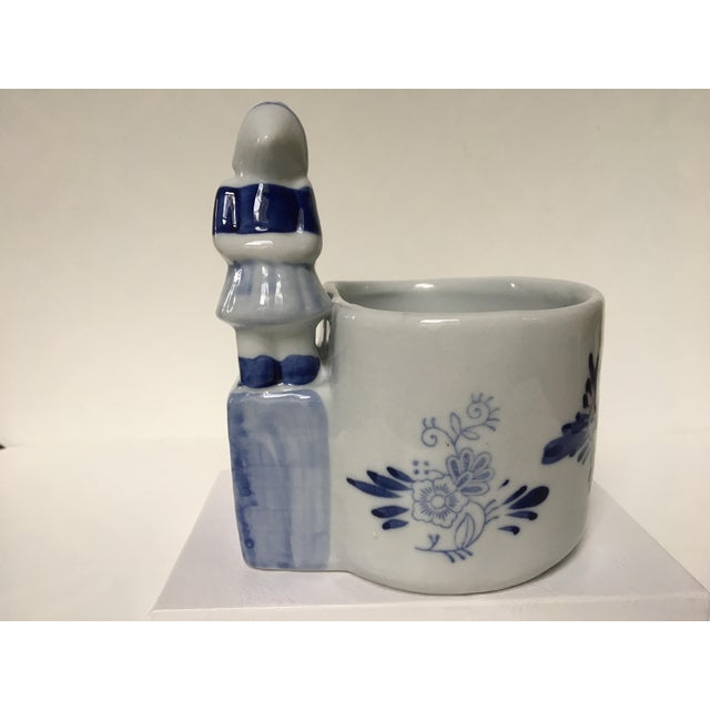 Ceramic Blue & White Delft Bowl/Planter With Dutch Boy & Girl Kissing For Sale - Image 7 of 11