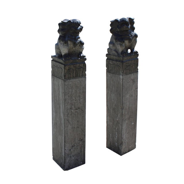 2010s Chinese Pair Black Gray Stone Fengshui Foo Dogs Tall Slim Pole Statues For Sale - Image 5 of 8