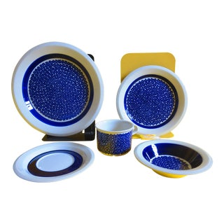 1970s Arabia Blue Faenza China 5 Piece Place Setting For Sale