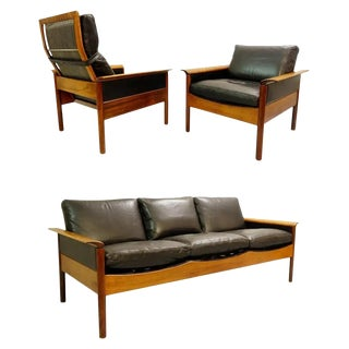 Leolux Living Room Set Consisting of Three-Seat Sofa, High-Back Armchair and Armchair, Netherlands, 1970. For Sale