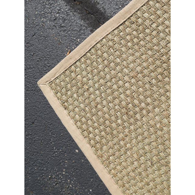 SAFAVIEH Approx: 9 x 12 Natural Fiber Seagrass Rug Age: Approx: 2 Years Old Details: High Quality Construction Rug Was...