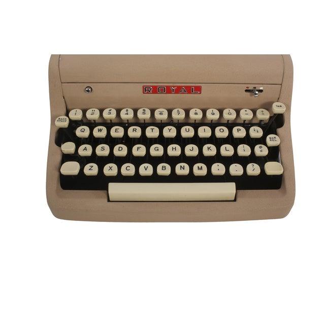 Royal Quiet DeLuxe Typewriter - Image 3 of 7