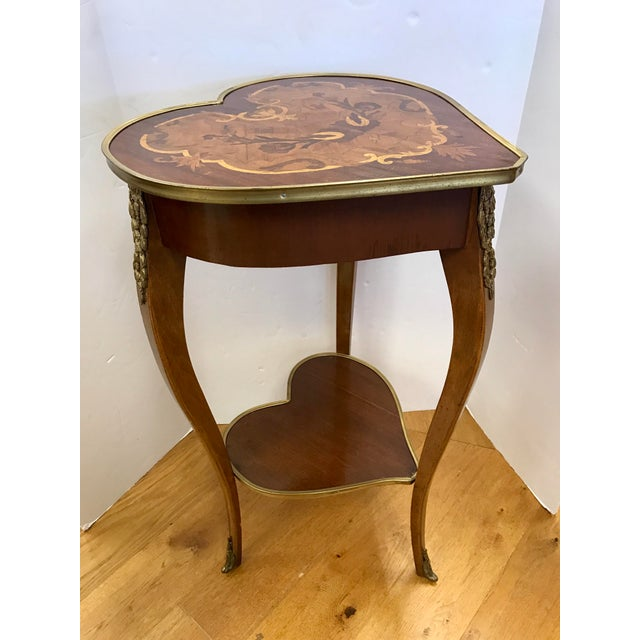 1950s Italian Marquetry Inlaid Heart Shaped End Table For Sale In New York - Image 6 of 12