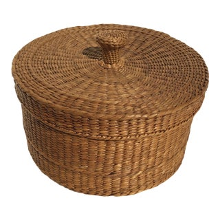 Vintage Natural Sweetgrass Basket With Knobbed Cover For Sale