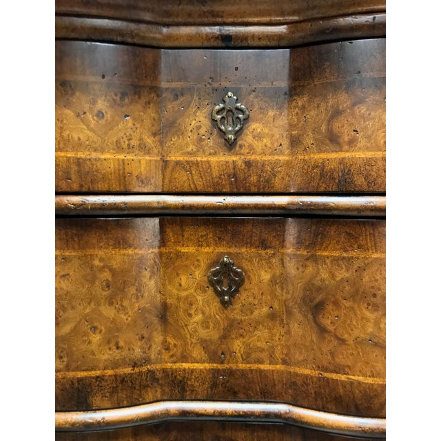 Chippendale Inlaid Banded Burl Wood Serpentine Four Drawer Dresser Chest For Sale - Image 9 of 13