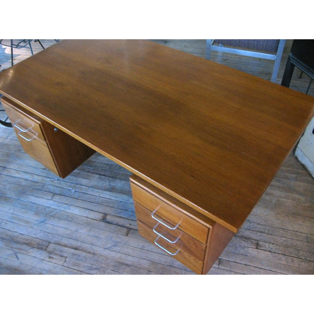 Mid-Century Modern 1950s Mid-Century Modern Walnut Executive Desk by Jens Risom For Sale - Image 3 of 8