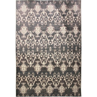 Aara Hand Knotted Ikat Rug- 9′10″ × 14′1″ For Sale
