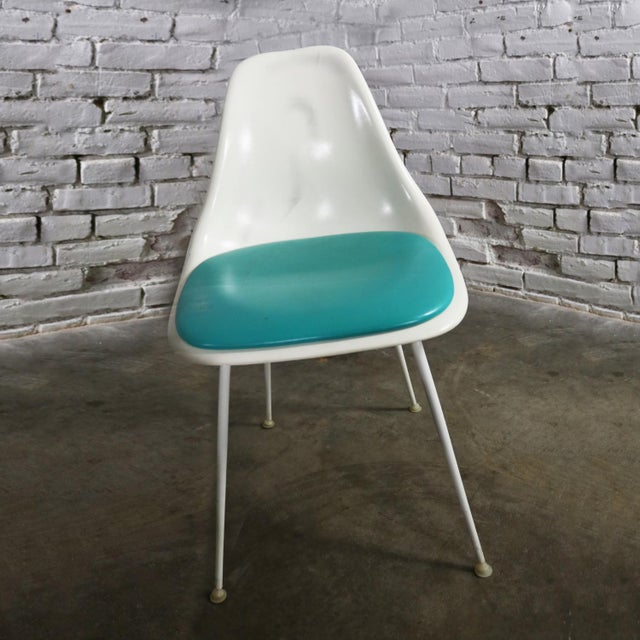 Burke Fiberglass #103 Shell Chairs With Padded Seats Set of 5 Mid Century Modern For Sale - Image 10 of 13