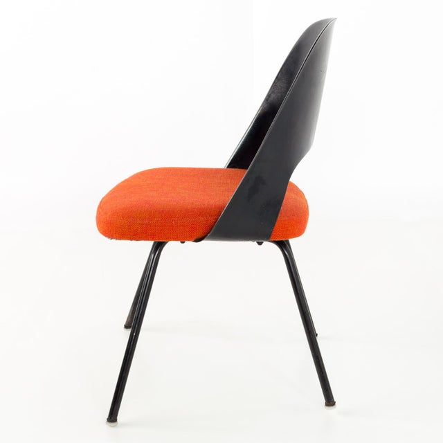 1960s Vintage Early Saarinen for Knoll Plastic Back Armless Executive Side Desk Chair For Sale - Image 5 of 8