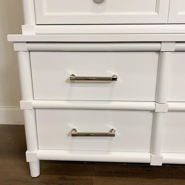 Transitional 1960s Thomasville White Lacquer Chest of Drawers For Sale - Image 3 of 8