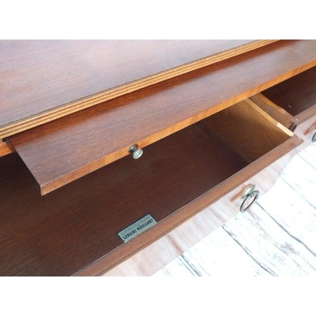 Vintage Georgian 8-Drawer Mahogany Dresser - Image 5 of 8
