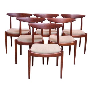 Set of Six Hans Wegner W2 Dining Chairs for CM Madsen in Oak For Sale