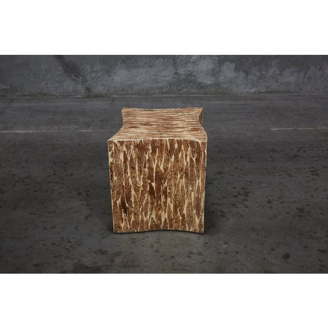 """Maitland - Smith 1990s Contemporary Freeform """"Wave"""" Side Table With Natural Fiber Inlay For Sale - Image 4 of 11"""