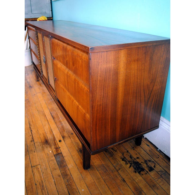 Mid Century Modern Walnut 9 Drawer Dresser - Image 4 of 10
