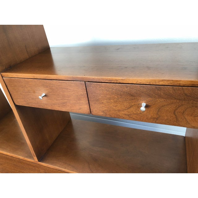Brown 1960s Mid Century Modern Broyhill Premier Accent Line Hutch For Sale - Image 8 of 13