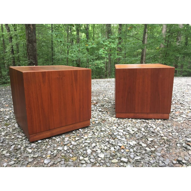 Mid-Century Modern Jens Risom Mid Century Modern Cube Tables ~ a Pair For Sale - Image 3 of 13