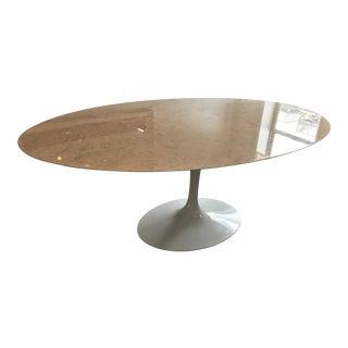Mid-Century Modern Eero Saarinen Oval Tulip Dining Table For Sale