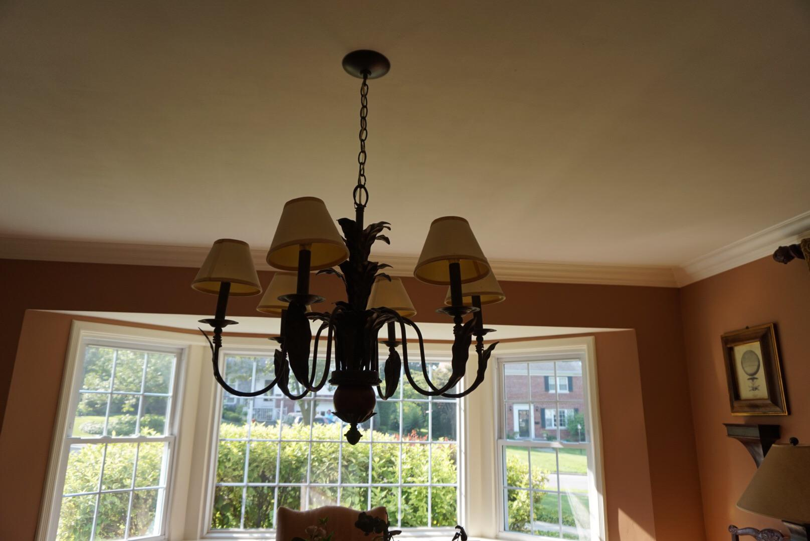 Perfect Traditional Vintage Ethan Allen Chandelier For Sale   Image 3 Of 4