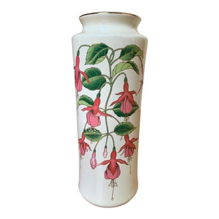 Contemporary Vintage Mount Clemens Pink, Fuchsia & Green Floral Porcelain Vase W/ Gold Details, Made in Japan For Sale