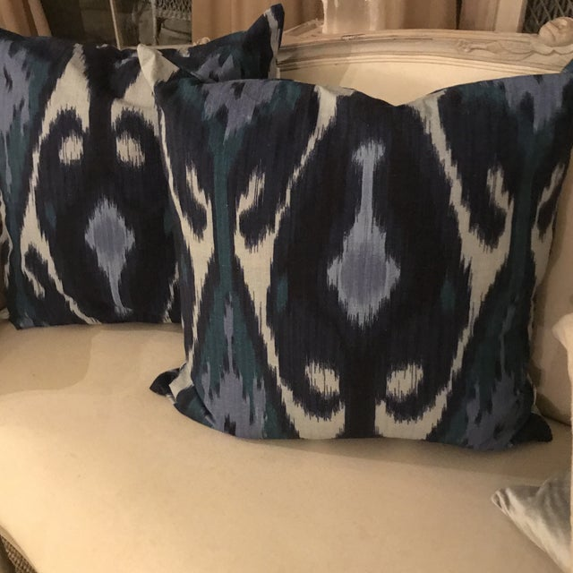 These are the most interesting pillows and work in any type of decor. The pillows are navy, light blue, medium blue, gray...