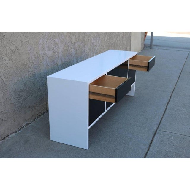 Milo Baughman White Lacquered Credenza with Contrast Doors - Image 5 of 8