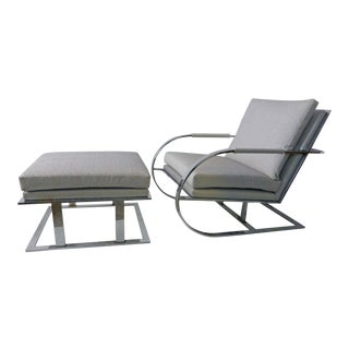 1970s Mid-Century Modern Milo Baughman for Thayer Coggin Gray Upholstered Chrome Lounge Chair and Ottoman Set For Sale