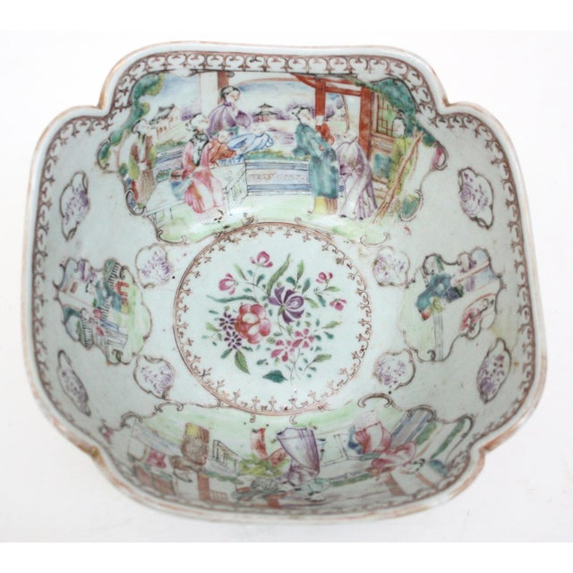 Asian Early 19th Century Chinese Export Bowl For Sale - Image 3 of 6