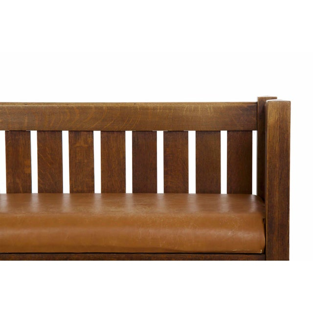 Arts & Crafts Mission Oak and Leather Hall Settle Settee Sofa, Early 20th Century For Sale - Image 6 of 13