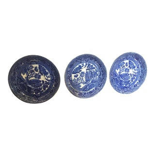 19th Century Blue and White Antique Wedgewood English Dishes - Set of 3 For Sale