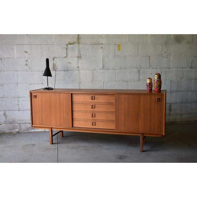 Long Mid Century Modern Teak Danish Credenza Media Stand For Sale - Image 4 of 9