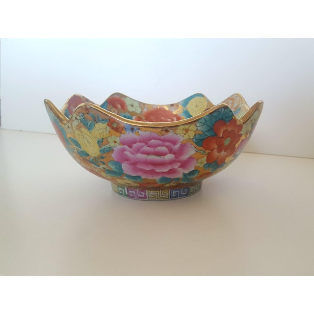 Vintage Chinoiserie Floral Chintz Hand Painted Gold Leaf Porcelain Cachepot For Sale - Image 5 of 5