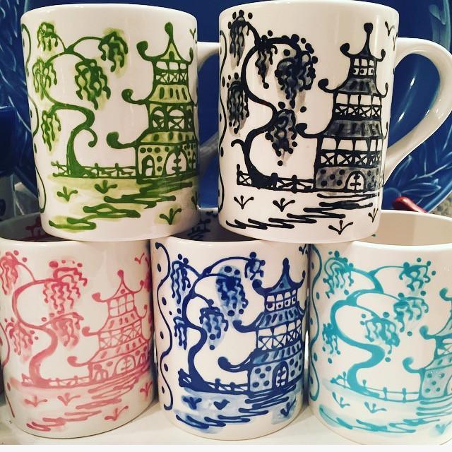 Black Porcelain Chinoiserie Mug - Image 3 of 5
