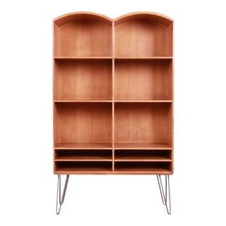 Romweber Mid-Century Modern Walnut Bookcase on Hairpin Legs, Circa 1950s For Sale