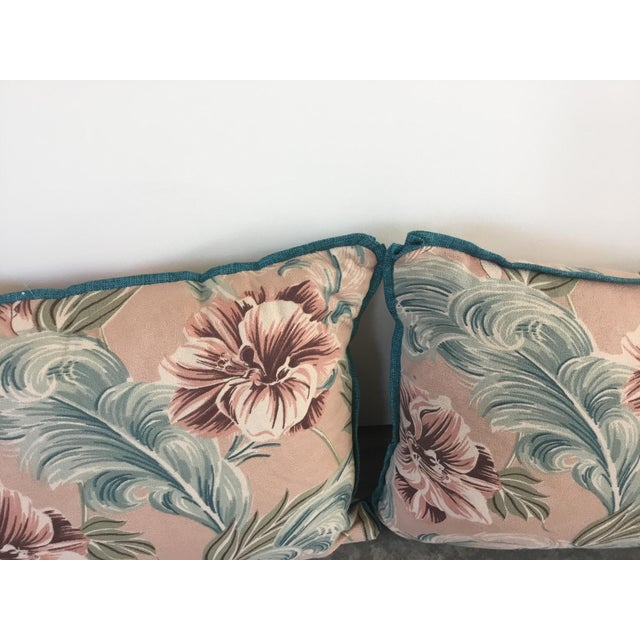 Beautiful pair of Hawaiian print pillows. Small welt detail. Never used. Made for a set design.