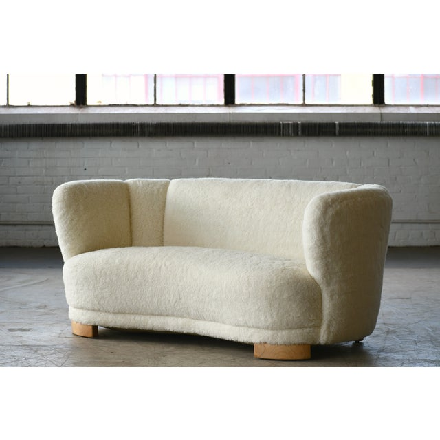 1940s Danish 1940s Curved Banana Shape Sofa in Lambswool in the Style of Viggo Boesen For Sale - Image 5 of 11